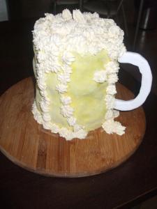 Tort w kształcie kufla piwa